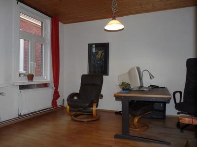 Wohn-/Arbeitszimmer